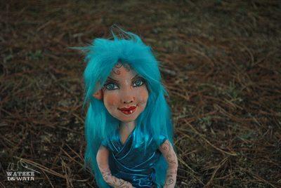 muñeca de brujita turquesa de la suerte