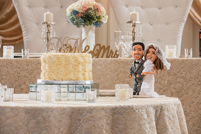 muñecos personalizados de trapo con la cara de los novios para tartas de boda baratos