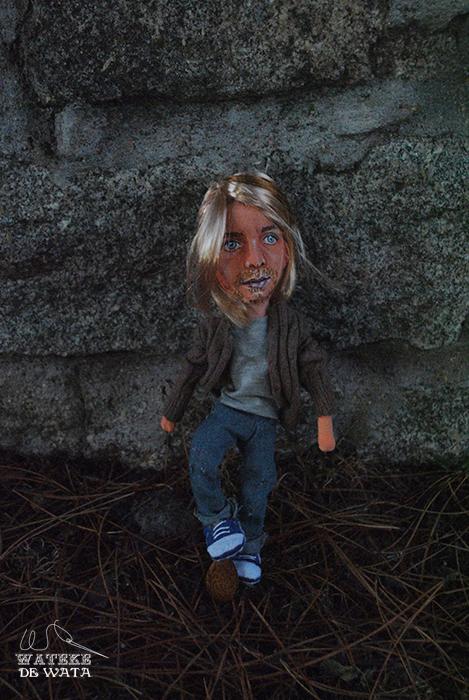 muñeco de tela personalizado del rockero Kurt Cobain