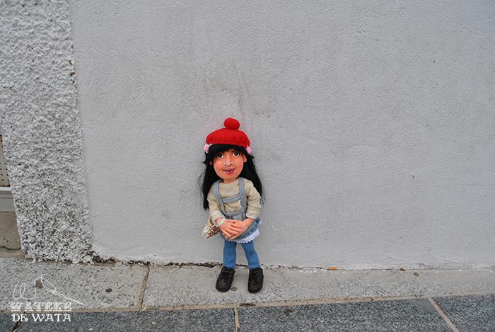 muñeca personalizada de tela grande con cara 3d y vestida para niña