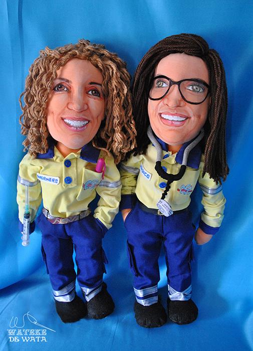 muñecos personalizados para regalar con tu cara y nombre bordado de profesiones