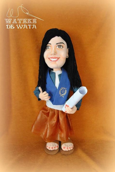 muñecas personalizadas con tu cara, de trapo hechas a mano para regalar en graduación chica