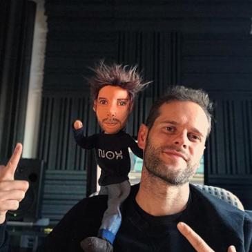 Miniyo Ramiro López muñecos personalizados para regalar mini yo con tu cara y vestidos baratos