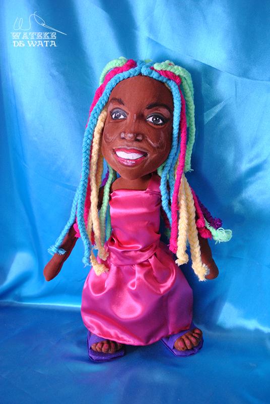 muñecos personalizados para niños peluches de personas con tu cara y vestidos mini yo Lucrecia