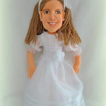 muñeca comunión personalizada de trapo con cara de niña real