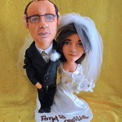 muñecos de novios personalizados para tartas hechos a mano de tela originales con tu foto
