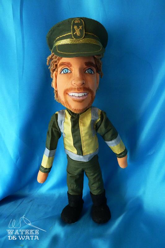 muñecos personalizados de profesiones, peluche con tu cara guardia civil