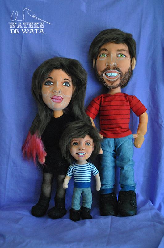 muñecos personalizados de trapo de familia con niño para bodas