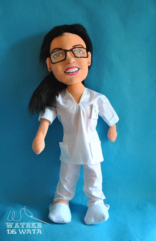 muñeca personalizada de enfermera con tu cara
