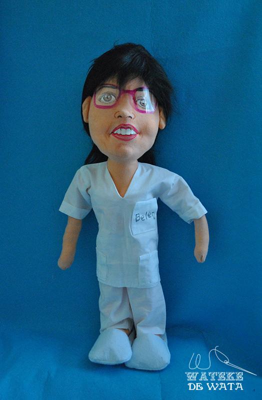 muñeca de enfermera con tu cara