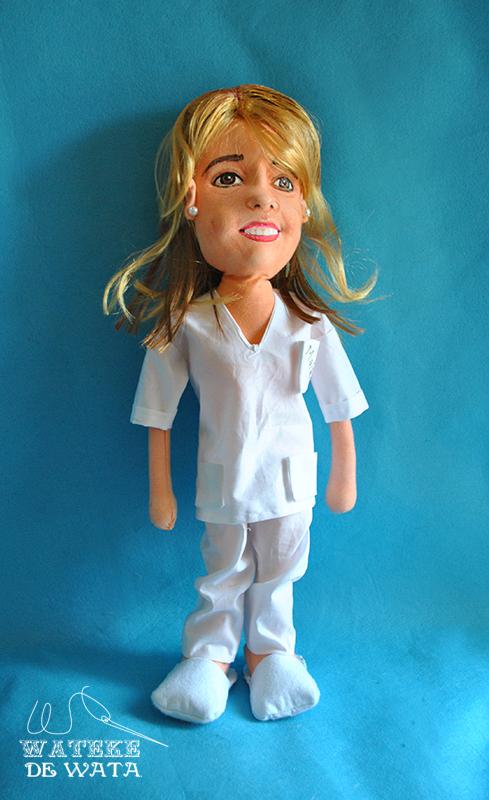 muñeca de trapo personalizada de enfermera